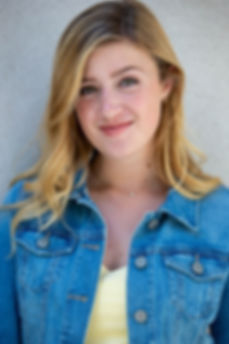 #JennaBergmanheadshot2019 #girlnextdoor