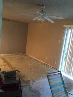 Condo 1 room before renovation