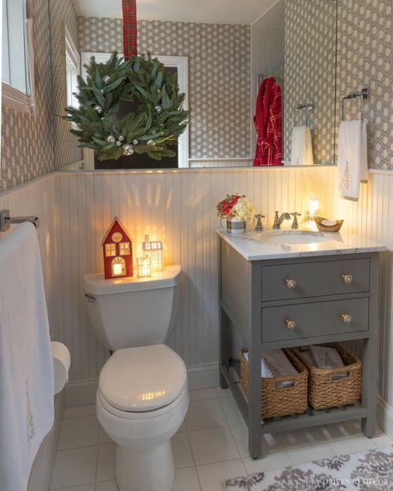 christmas bathroom decor