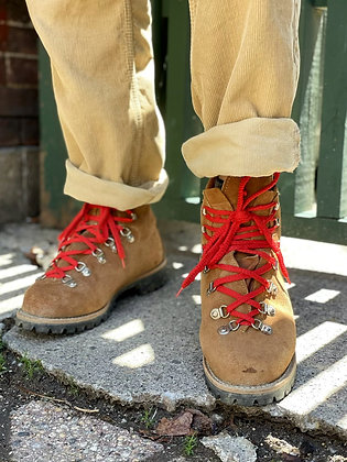 """Vintage '70s """"Waffle Stompers"""" Hiking Boots ~ Size 9.5"""