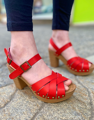 Shelby Crimson Platform Sandals
