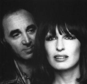 1976 met Aznavour. Foto Mick Rock