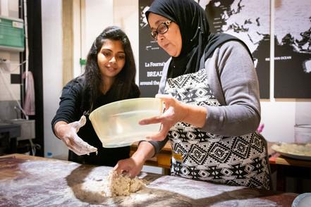 Amina teaches Rachi