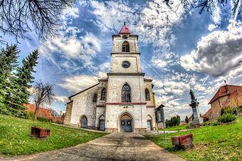 Pukanec_kostol.jpg