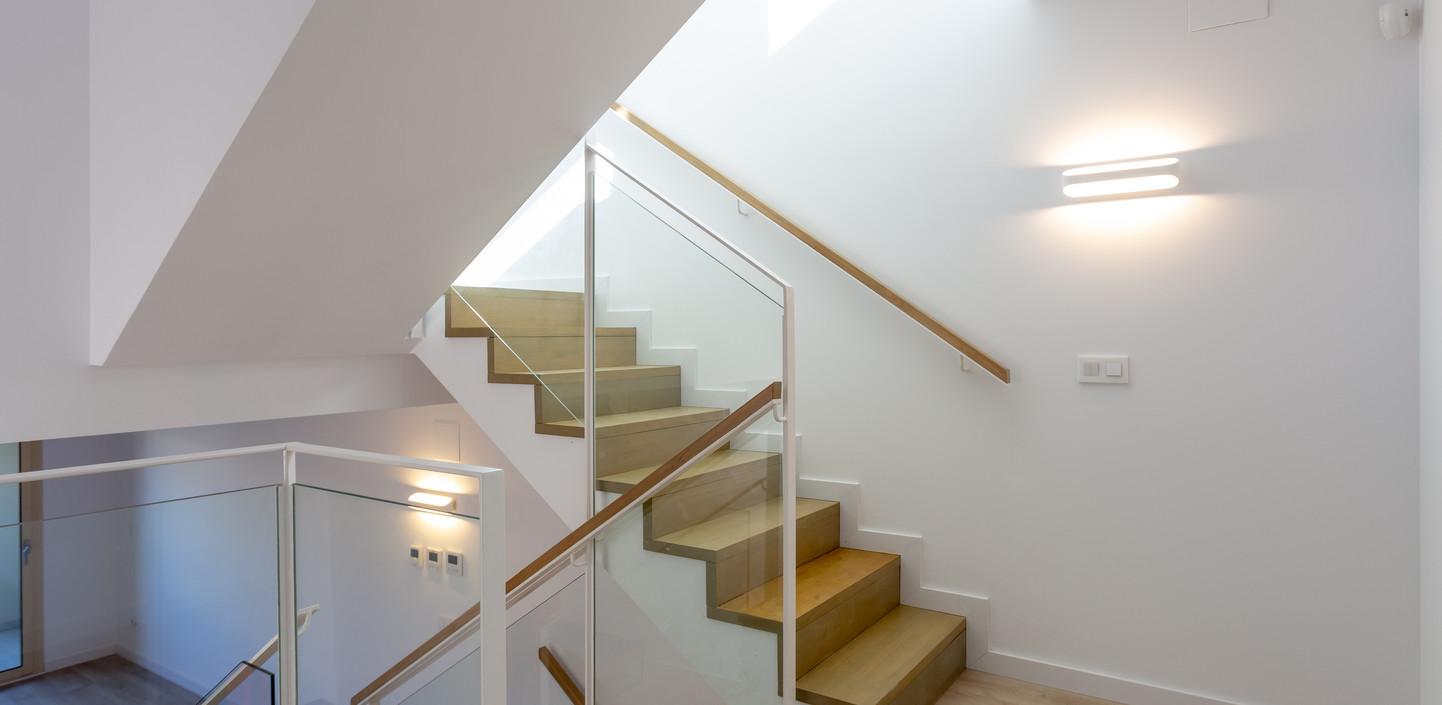 Лестница в спальню / Stairs to bedroom