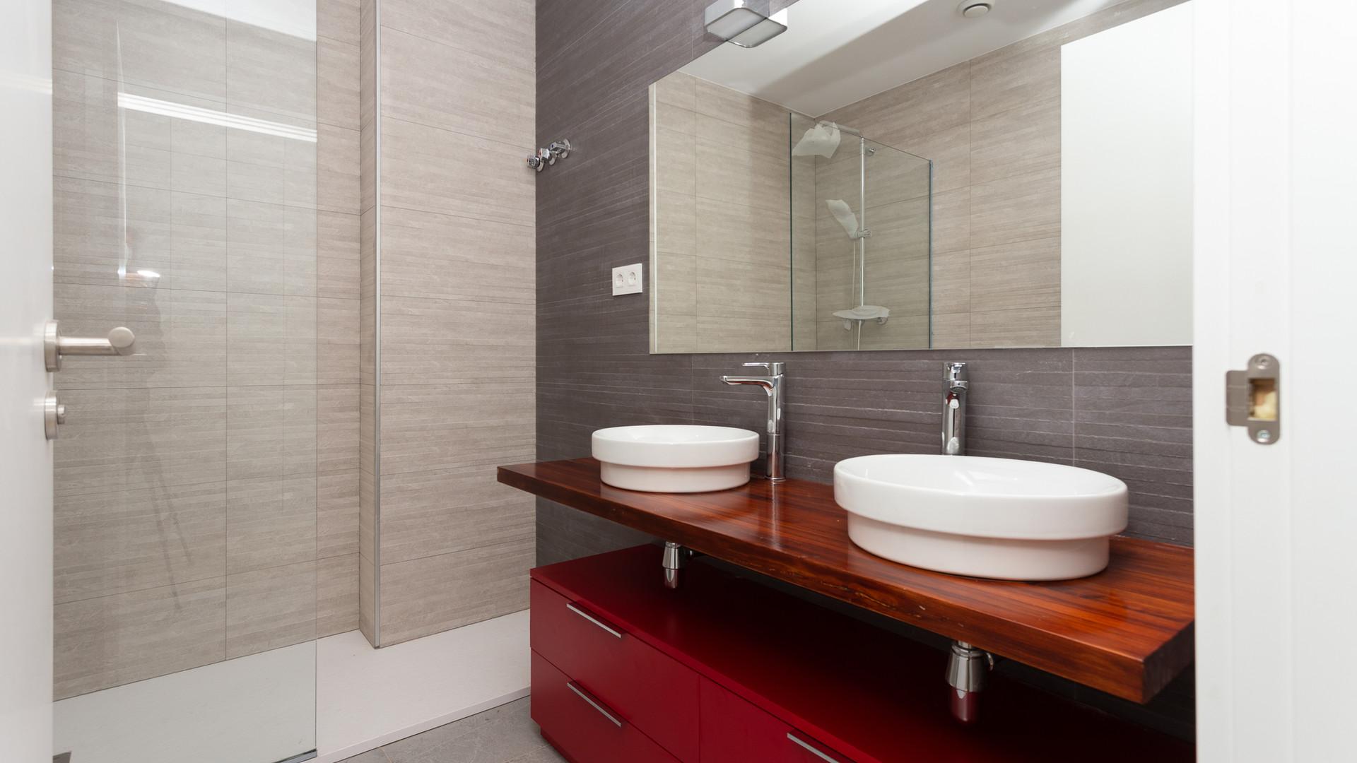 Санузел спальни / Bathroom in bedroom