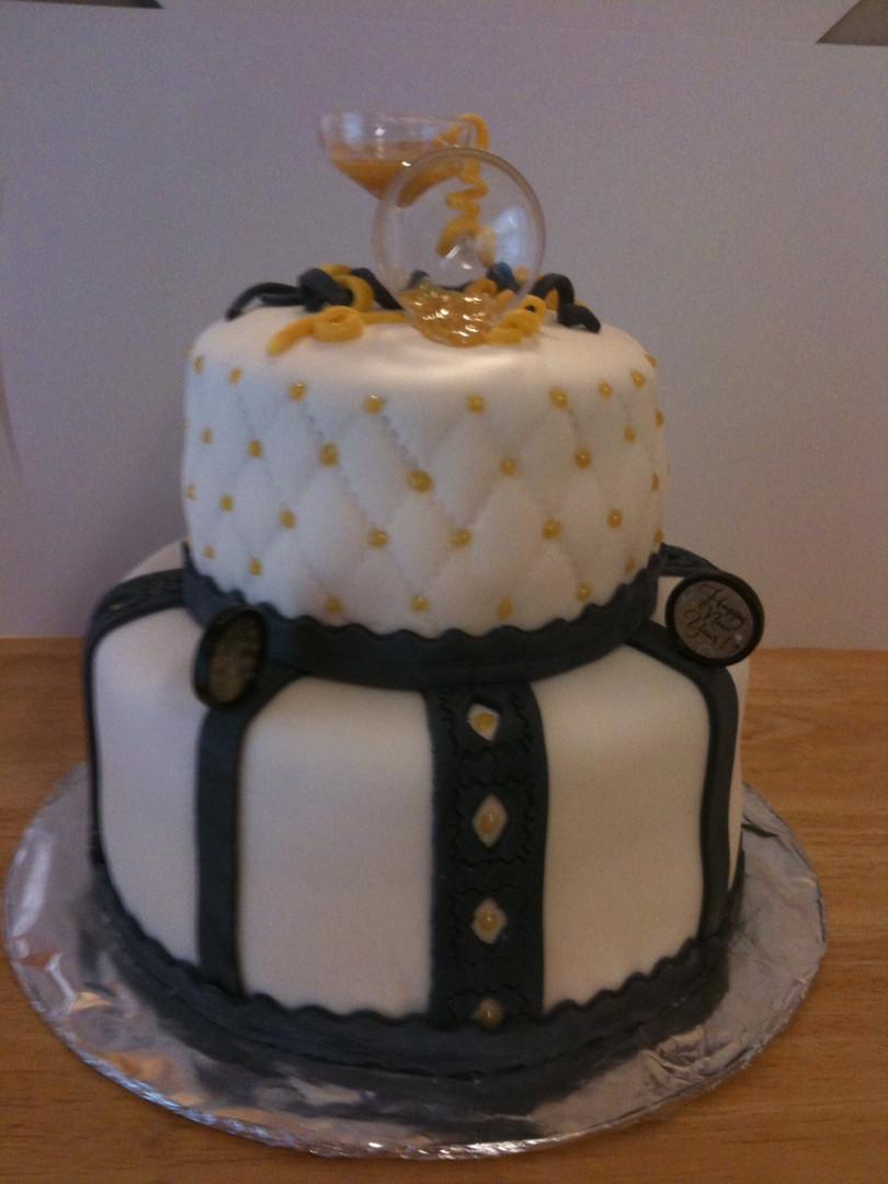 New Year's fondant cake