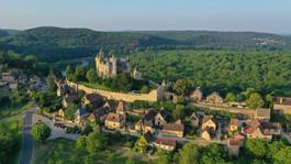 Le beau village de Monfort