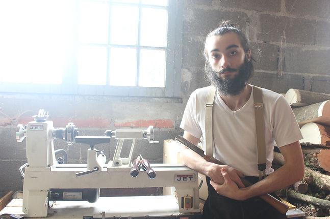 Victor Valles, artisan des métiers d'art du bois.