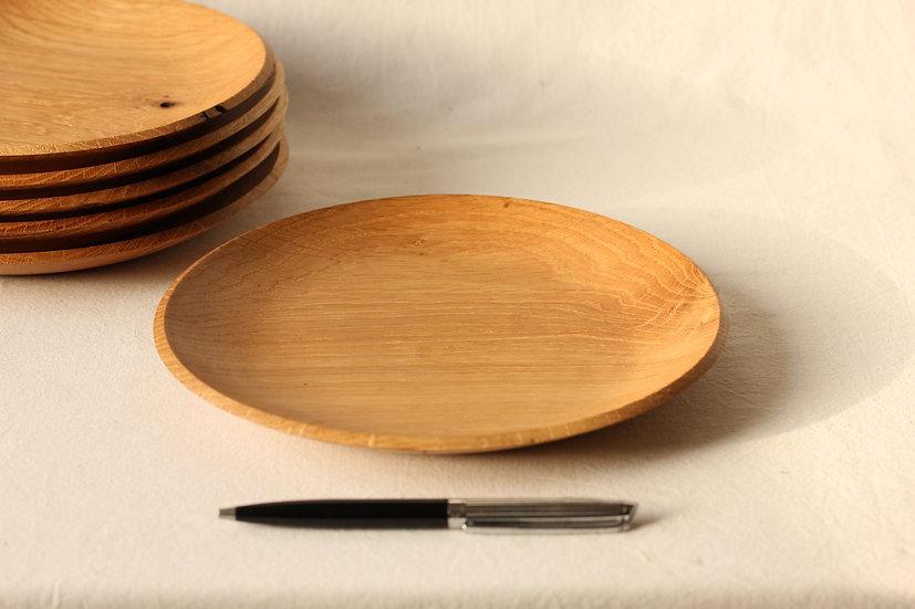 Petite assiette en chêne