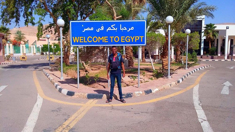 Luiz na fronteira do Egito/Israel.