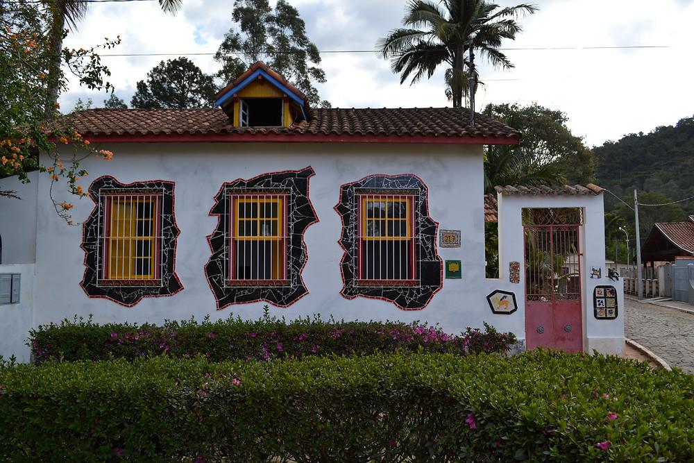 Casa com mosaicos