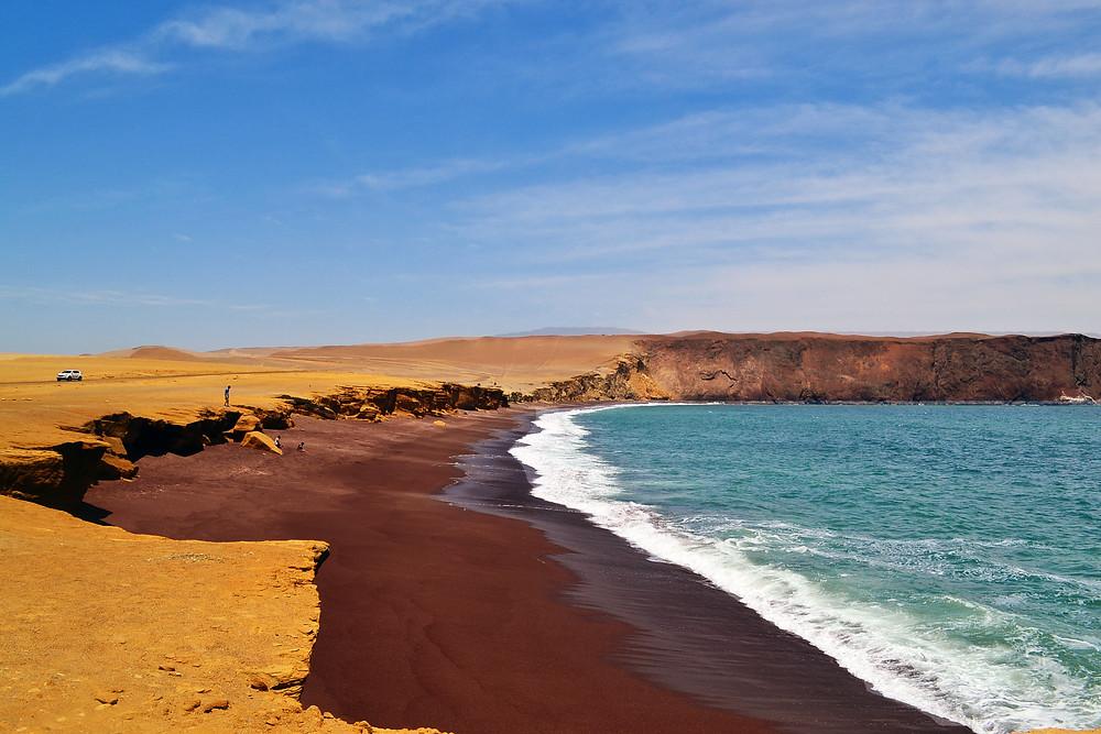 Playa Roja - Reserva Nacional de Paracas