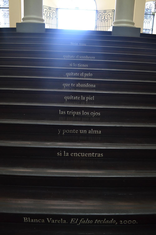 Escada com poema