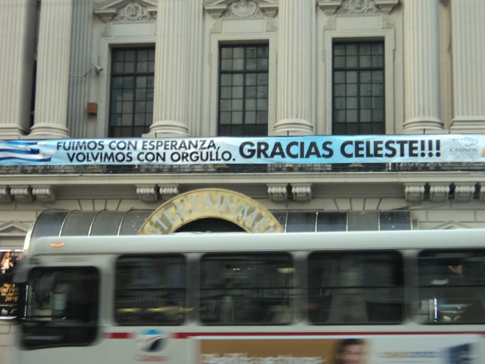 Faixa de apoio a Seleção Uruguaia.
