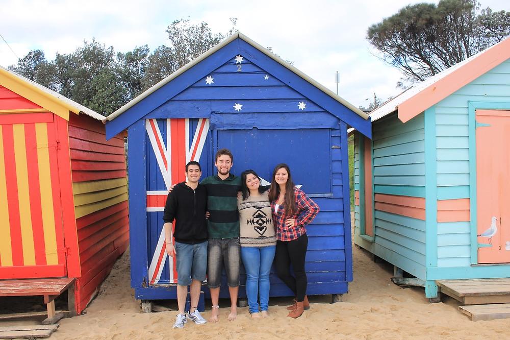 FOTO: Tatiane com seus amigos da UNESP em Melbourne.