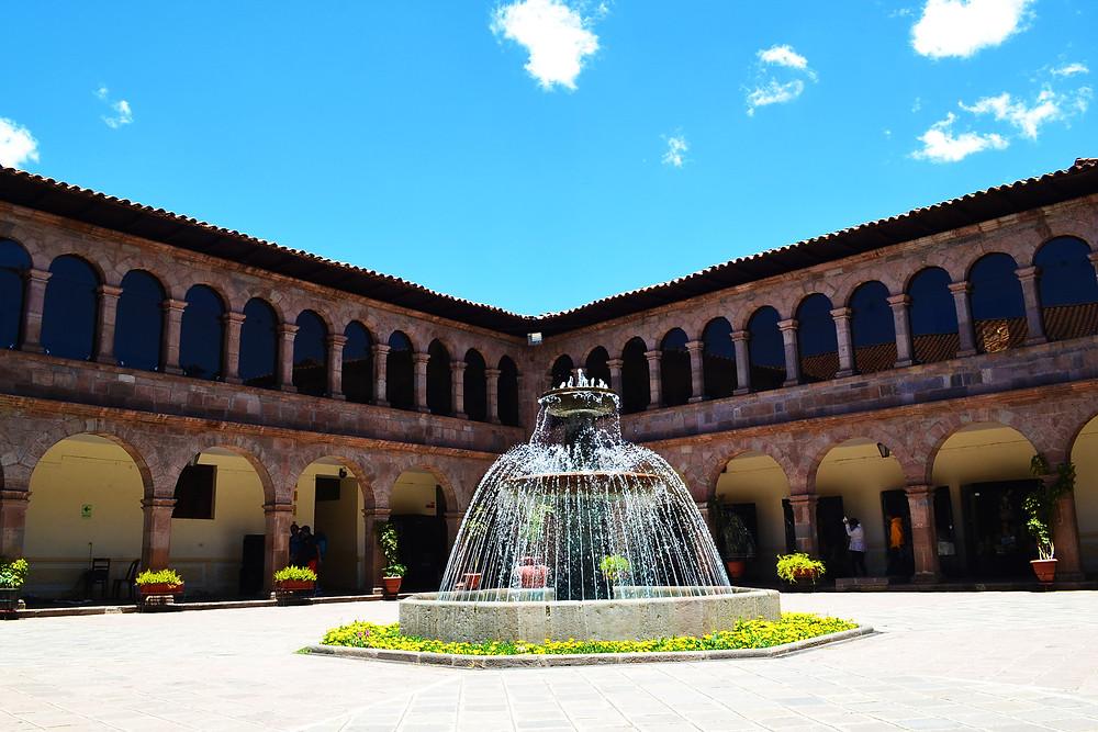 Pátio do Museu de Arte contemporânea  de Cusco