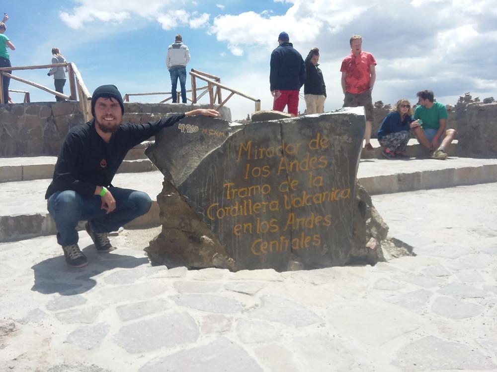"""""""Mirador de los Andes """"Tramo de La cordillera Volcanica en los Andes Centrales - 4910m de altitude."""