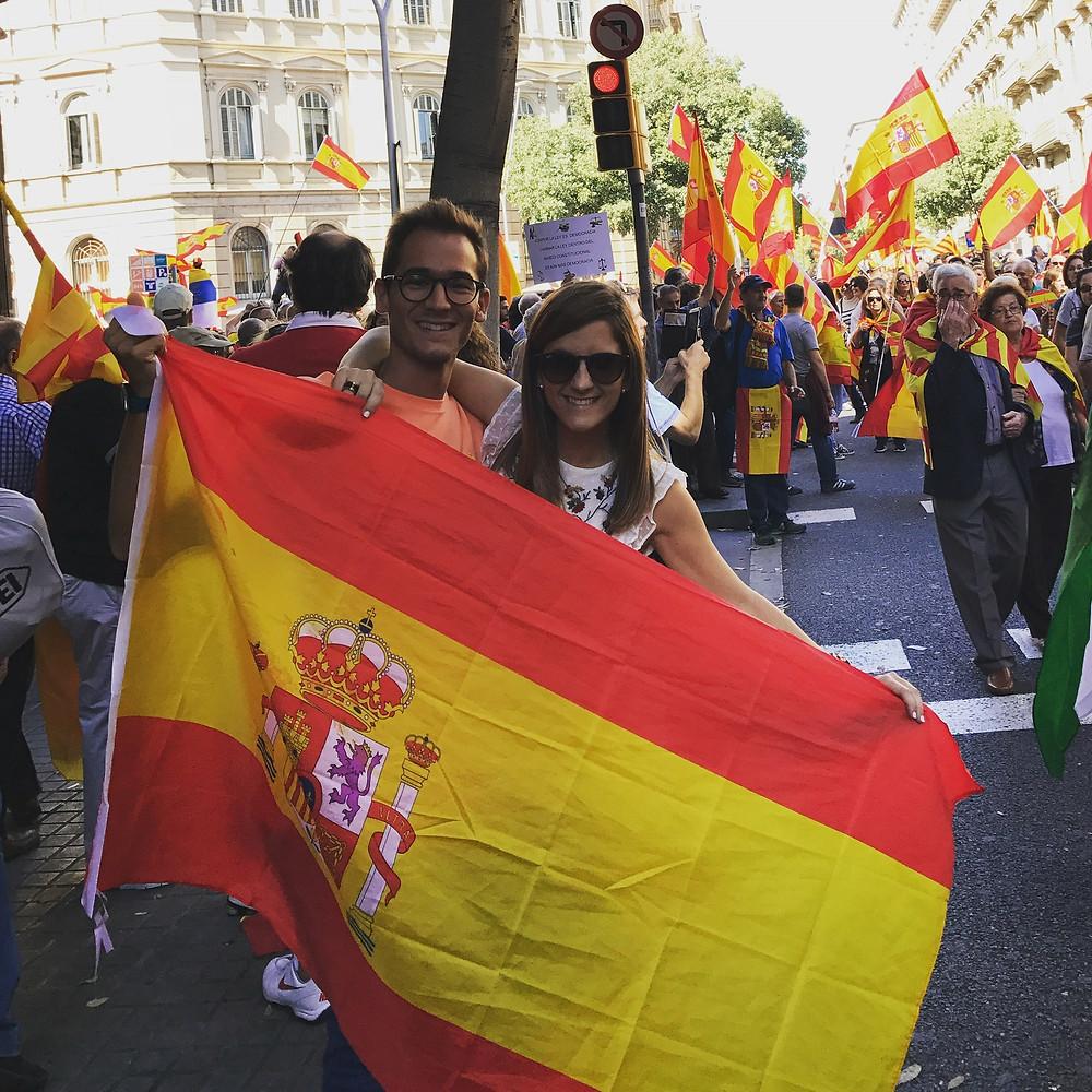 Yolanda durante Manifestação para continuidade da Espanha unificada.