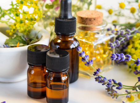 10 BEST ESSENTIAL OILS FOR MEDITATION AND RITUAL