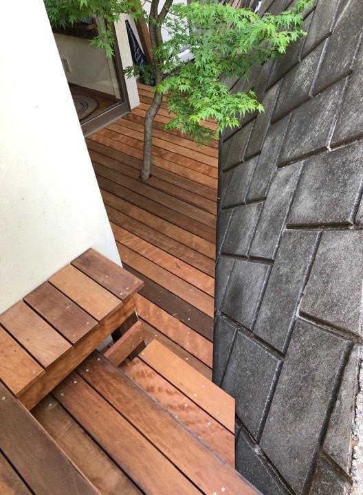 この狭い場所は階段になりました。
