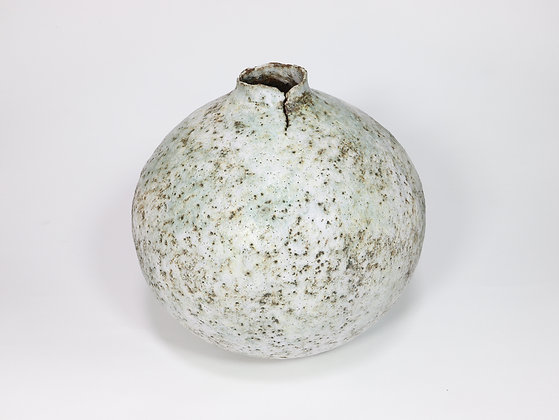 Large Speckled White Pod with Chrome