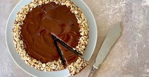 Banankage med chokoladetopping