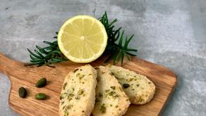 Finskbrød med citron og pistacienødder