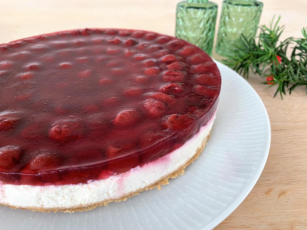 Vegansk cheesecake med kirsebær