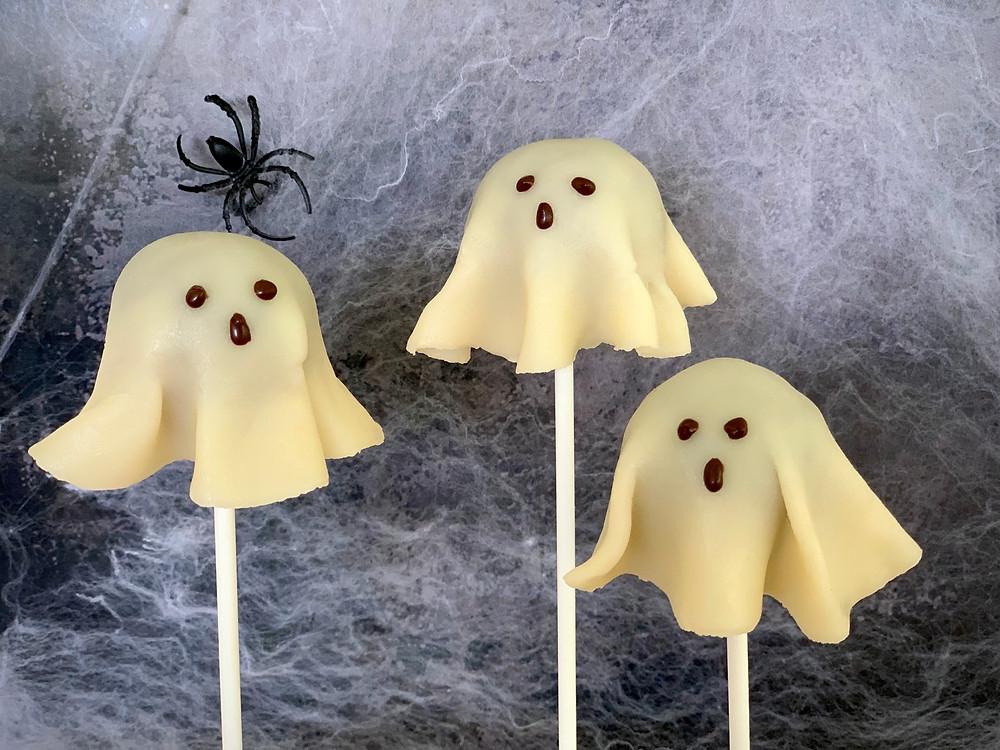 Veganske spøgelsespopcakes