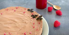 Chokolademoussekage med hindbærcoulis