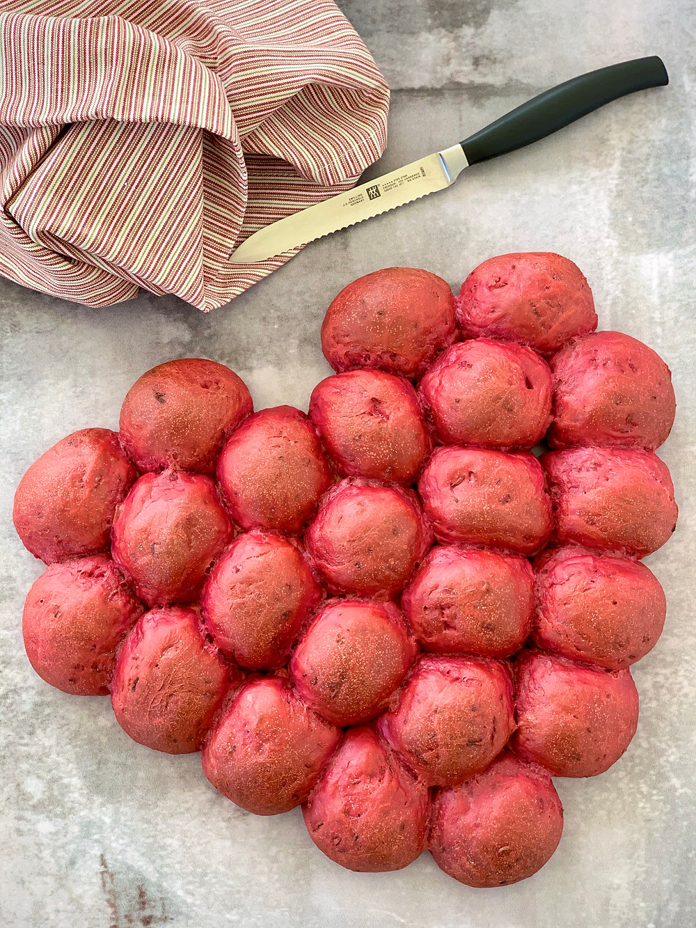 Vegansk hjerte-brydebrød (rødbedeboller)