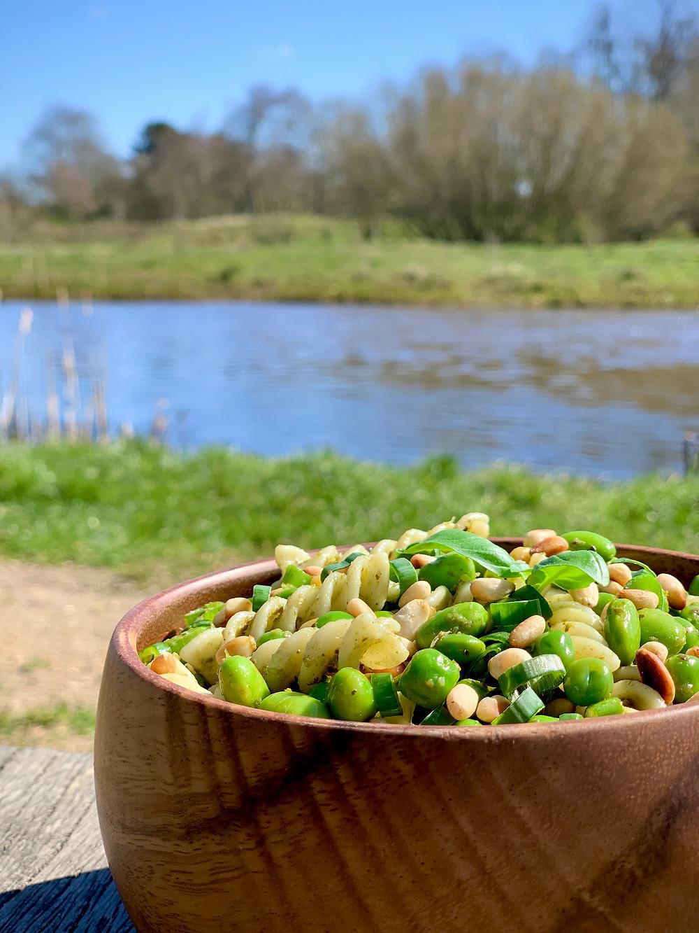 Vegansk grøn pastasalat