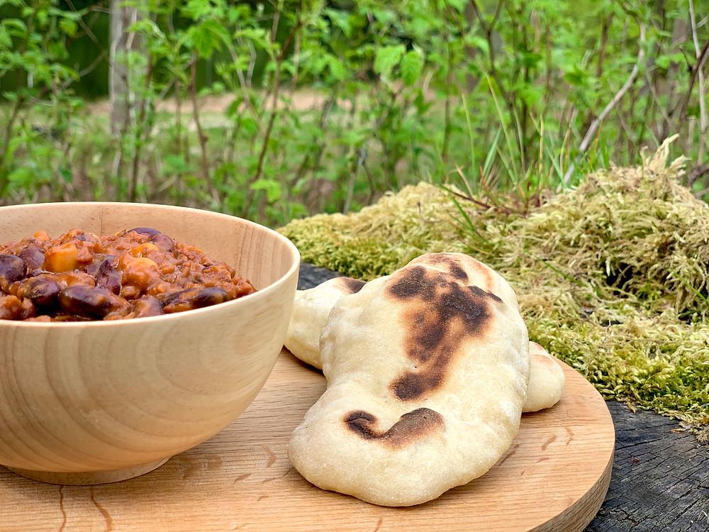 Vegansk pandebrød bagt på Trangia