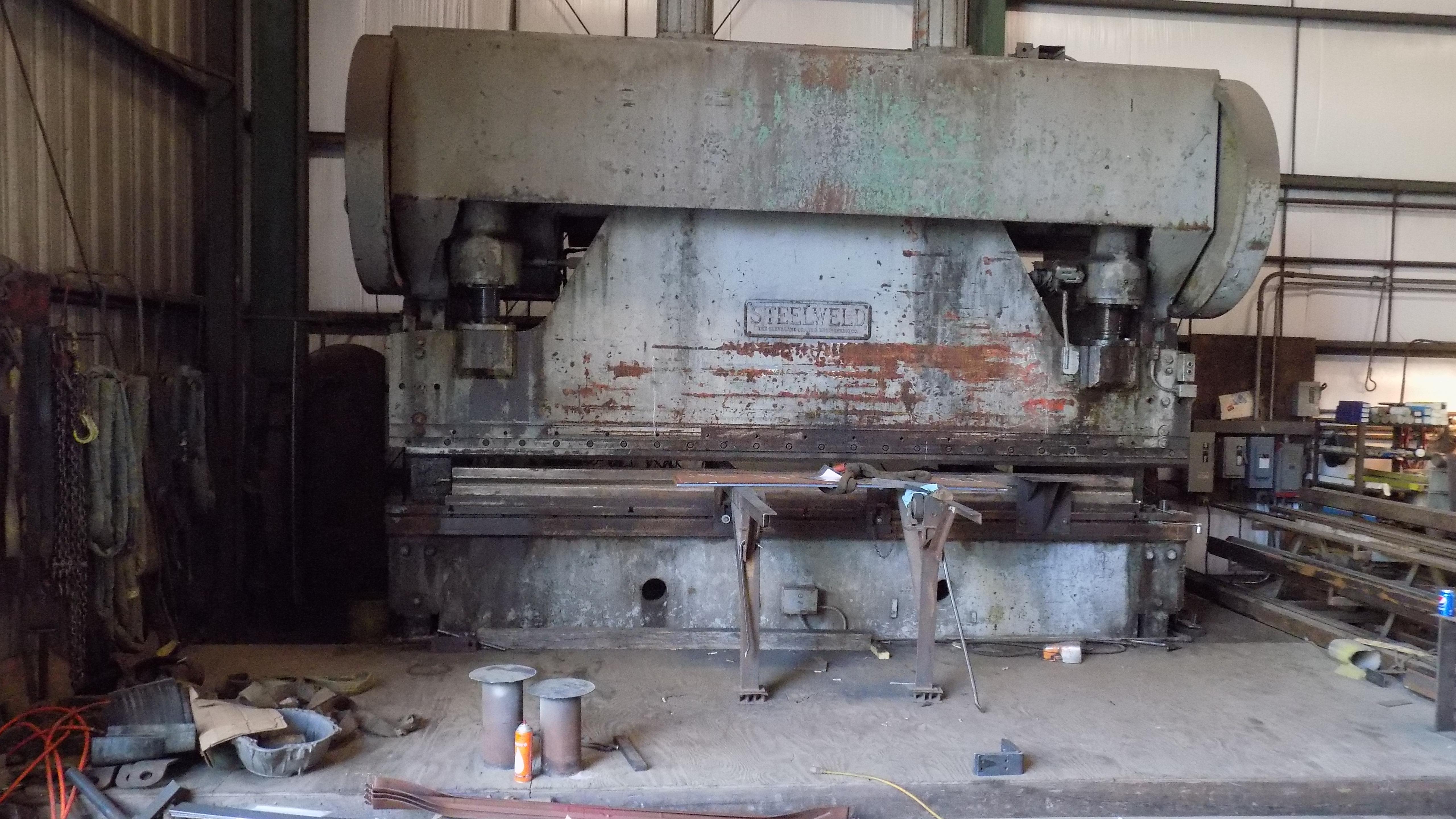 400 ton press brake