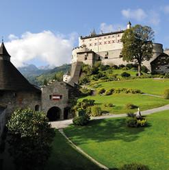 Burgen im Salzburger Land                 Burg Hohen Werfen, Festung Hohen Salzburg. Burg Mauterndorf