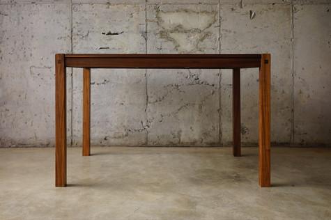 성빈씨 테이블 정면 .jpg