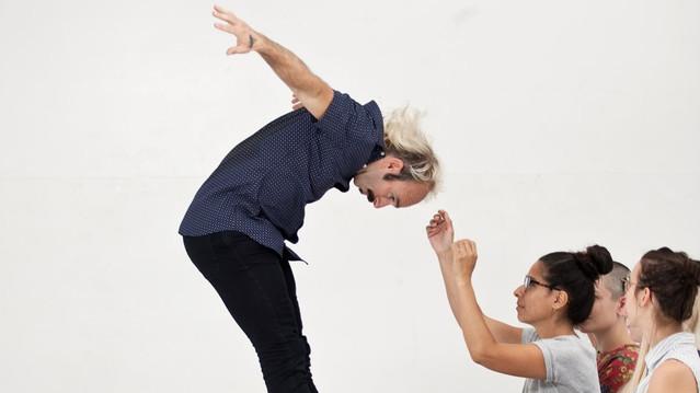 Danse Carpe Diem/Emmanuel Jouthe - Suites perméables