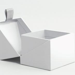 Luxury Rigid Boxes for Saffron gifting