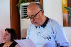 Председателят Трендафил Василев чете протокола на журито