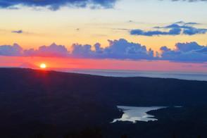tramonto-sullo-Stromboli-e-lago-angitola