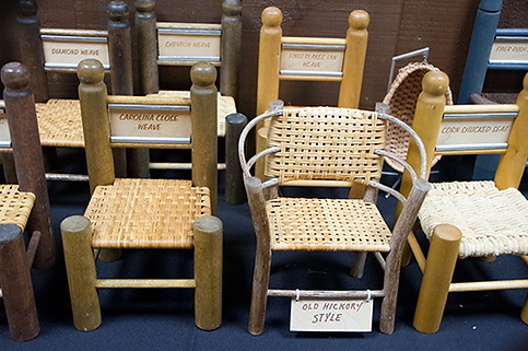 Small samples of different weaving methods