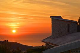 tramonto-sulla-Torre-di-Villa-Velia