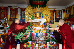 Offering Kkata to Jowo Rinpoche