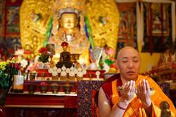 Khenpo Choepel Leads Practice