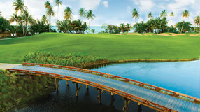 Top 10 'Exotic' Golf Courses in the World