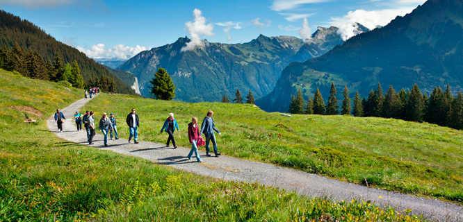 switzerland-country-berner-oberland-trail.jpg