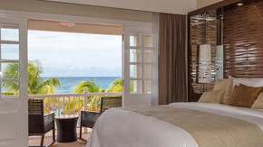 Relax next to the ocean in Jamaica with SmartTravel