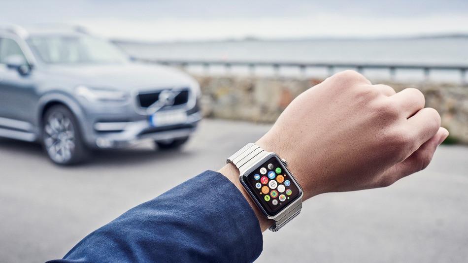Volvo-XC90-Apple-Watch-on-call.jpg