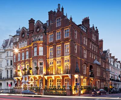 At-the-Milestone-Hotel-you'll-feel-like-royalty-too-thumb-400x332-25523.jpg
